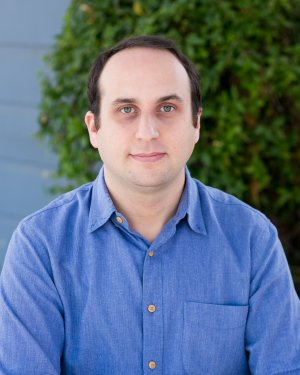 Bio Photo Adrian