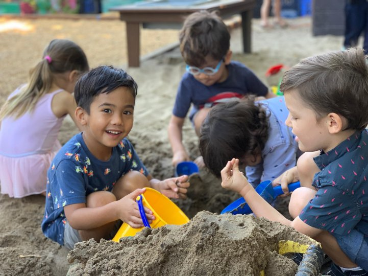 ES Preschool students sand play