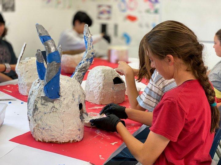 ES art students making masks