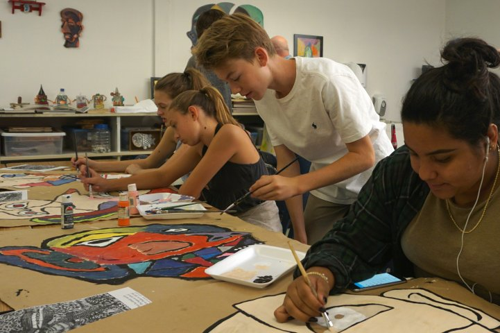 HS Art students in studio