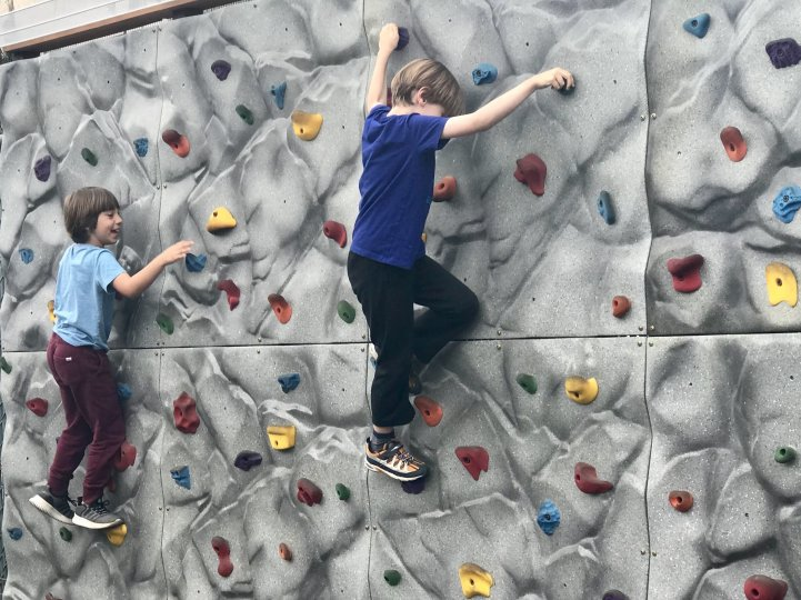 ES Climbing wall