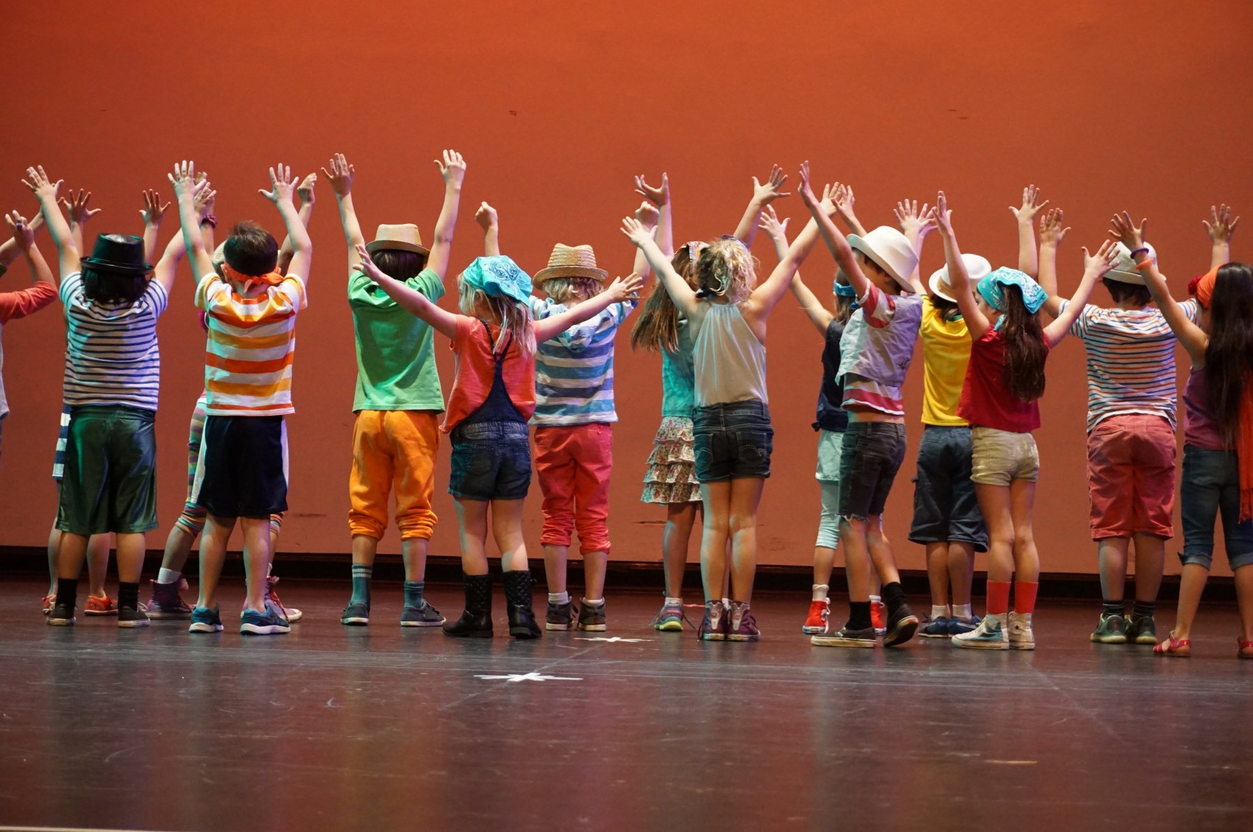 ES Stage kids jazz hands